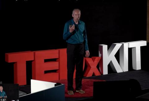 Stephan Josef Dick TEDxKIT Vortrag zum Wertschätzer Ampelmodell